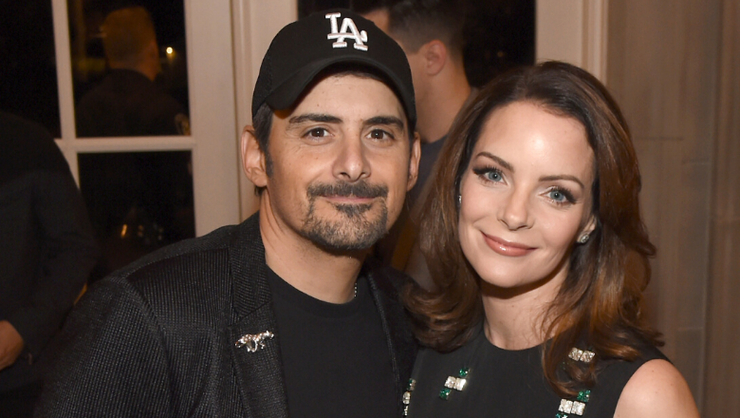 Brad Paisley's Wife, Kimberly Williams-Paisley, Exposes His Messy Side