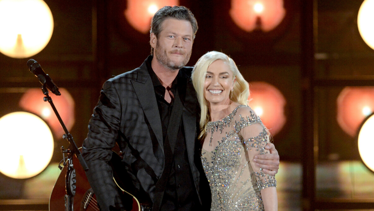 Blake Shelton And Gwen Stefani Play With Adorable Baby Pigs In New Photo
