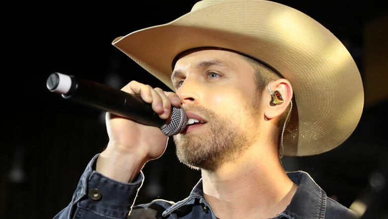 Dustin Lynch Smolders On Acoustic Stripped Down Version Of 'Mama's House'