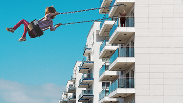 image for Video Of Dad Pushing Kid On Swing On 8th Floor Balcony Gets Him Shamed
