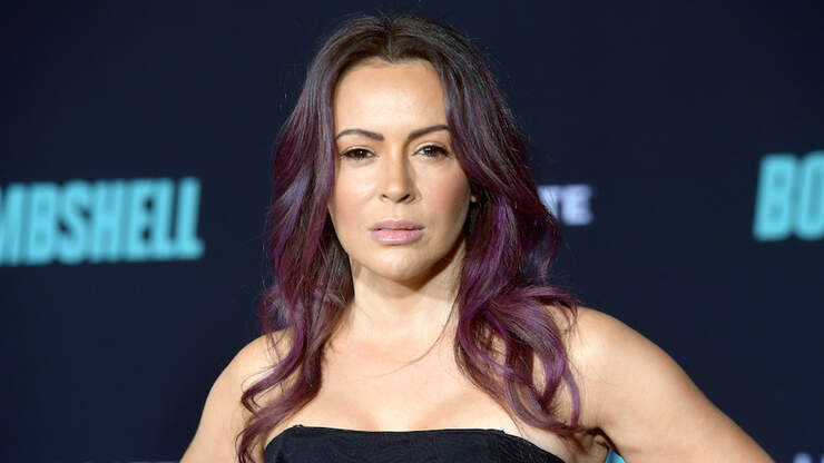 Alyssa Milano Fans Furious Over Her Latest Family Photo | Z100