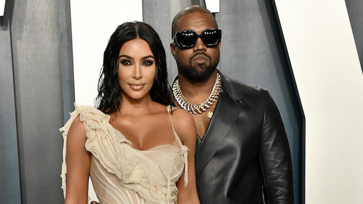 Kim Kardashian Pictured Without Wedding Ring Before Kanye ...