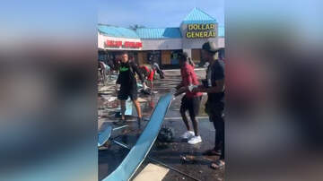 image for NFL Players Help Clean Up In Tampa Bay Following Night Of Violent Protests