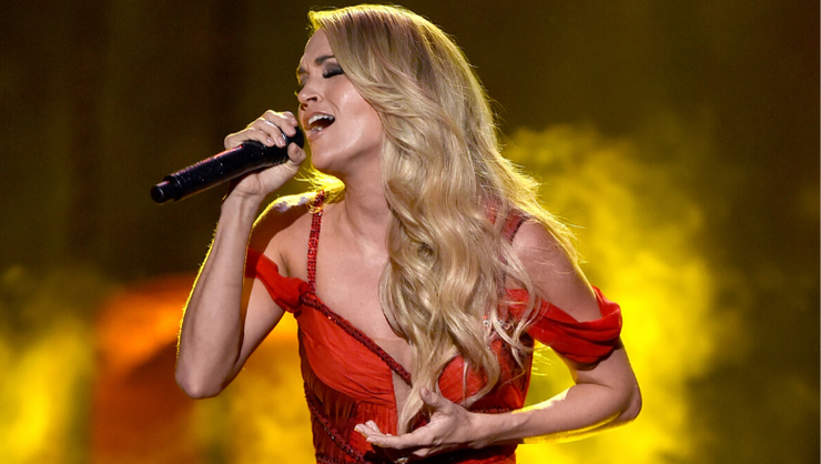 Carrie Underwood To Release A Christmas Album In 2020