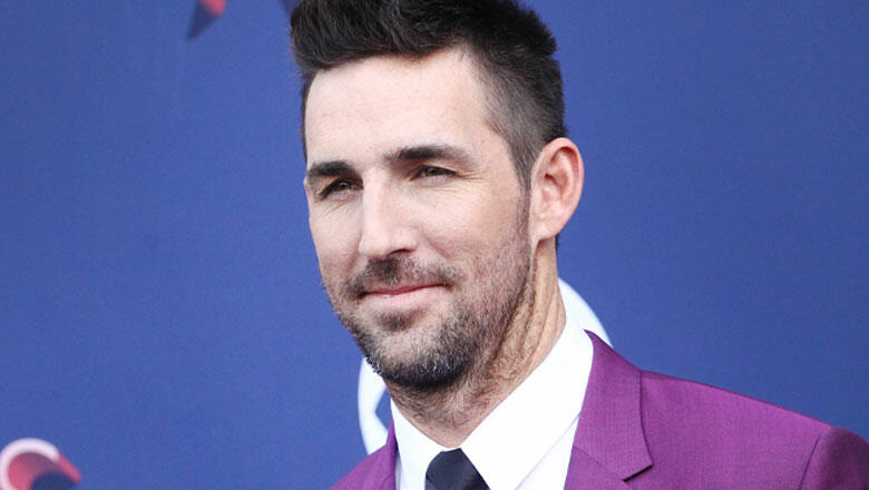 Jake Owen Shows Gratitude For Downtime With Family