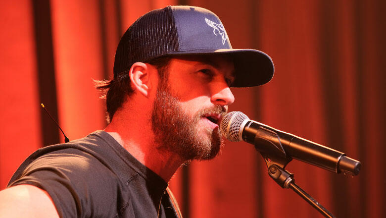 """Riley Green Teases Another """"Damn Good"""" Country Song"""