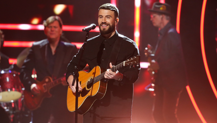 Sam Hunt Strips Down 'Hard To Forget' In New Acoustic Rendition