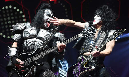 image for KISS's Paul Stanley Urges Fans To 'Wear Your Mask,' Listen To Virus Experts