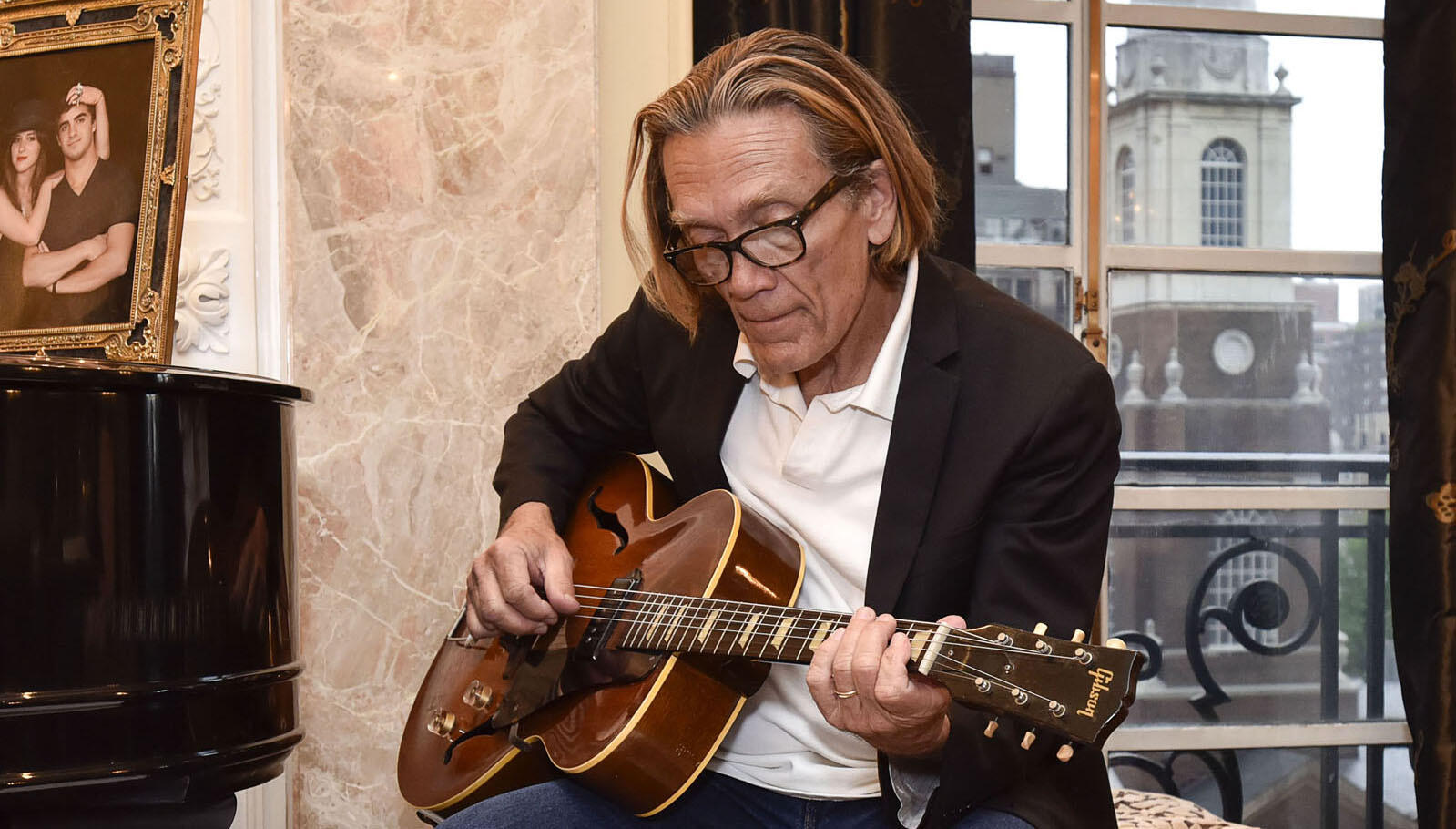 G.E. Smith Talks New 'Stony Hill' LP, Working At SNL, David Bowie's Smile