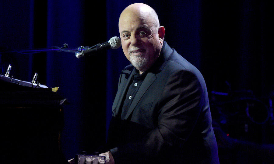 Billy Joel Surprises Pedestrians With Street Concert On Discarded Piano