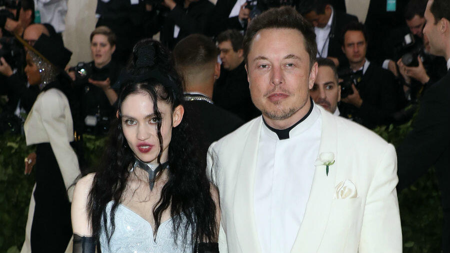 Grimes Tells Elon Musk To 'Turn Off' Phone After He Tweets 'Pronouns Suck'