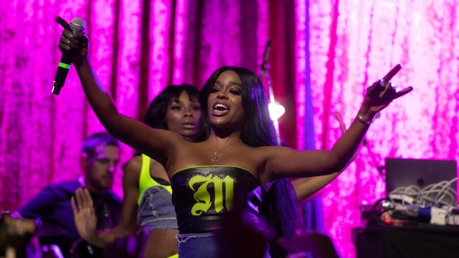 Azealia Banks Shaves Her Head To 'Feel Fresh Again' After 'Years Of Trauma'