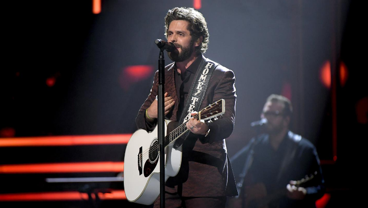 Thomas Rhett Surprises Healthcare Workers With Virtual Performance