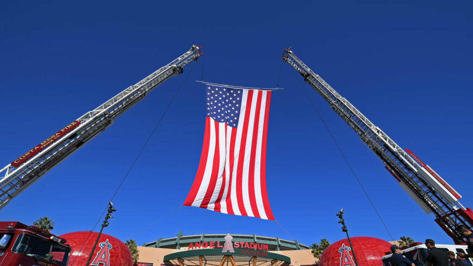 Mandy's Thu Blog: Mike Rosen Has Something to Say about The Flag