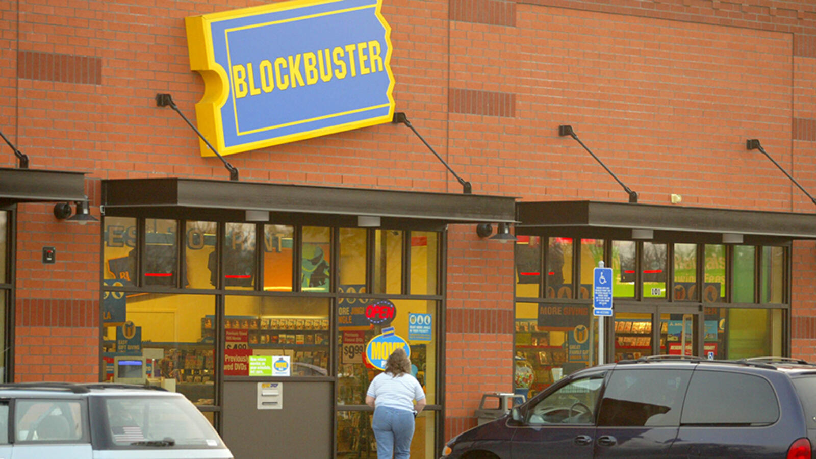 The Last Blockbuster In The World Is Turning Into An Airbnb