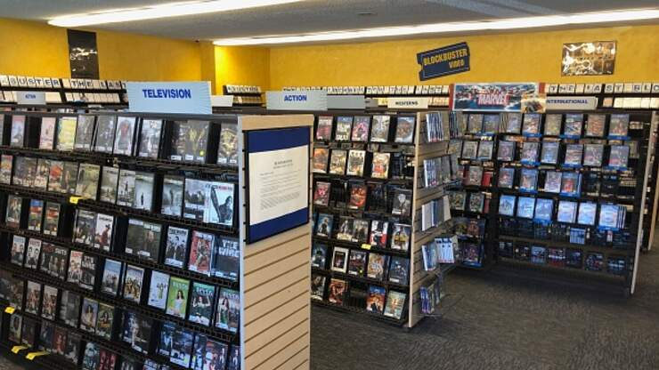 The Last Blockbuster Turning Into An Airbnb For 3 Nights Kfi
