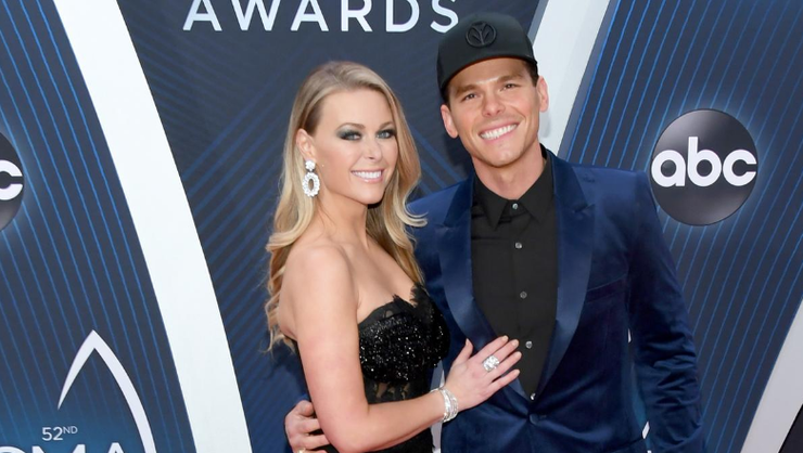 Granger Smith And His Family Enjoy 'Remote Cabin' Getaway In Texas