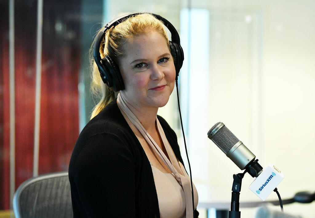 Amy Schumer Talks Pregnancy, Performing, & Parenting On 'What To Expect'