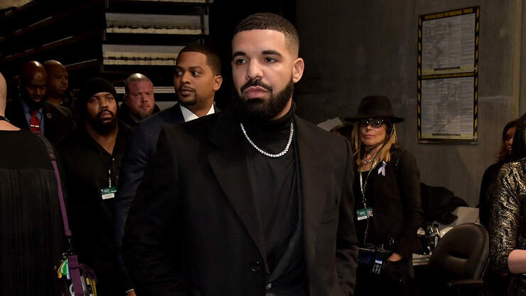 Drake Teases New Music To Drop Tonight!!