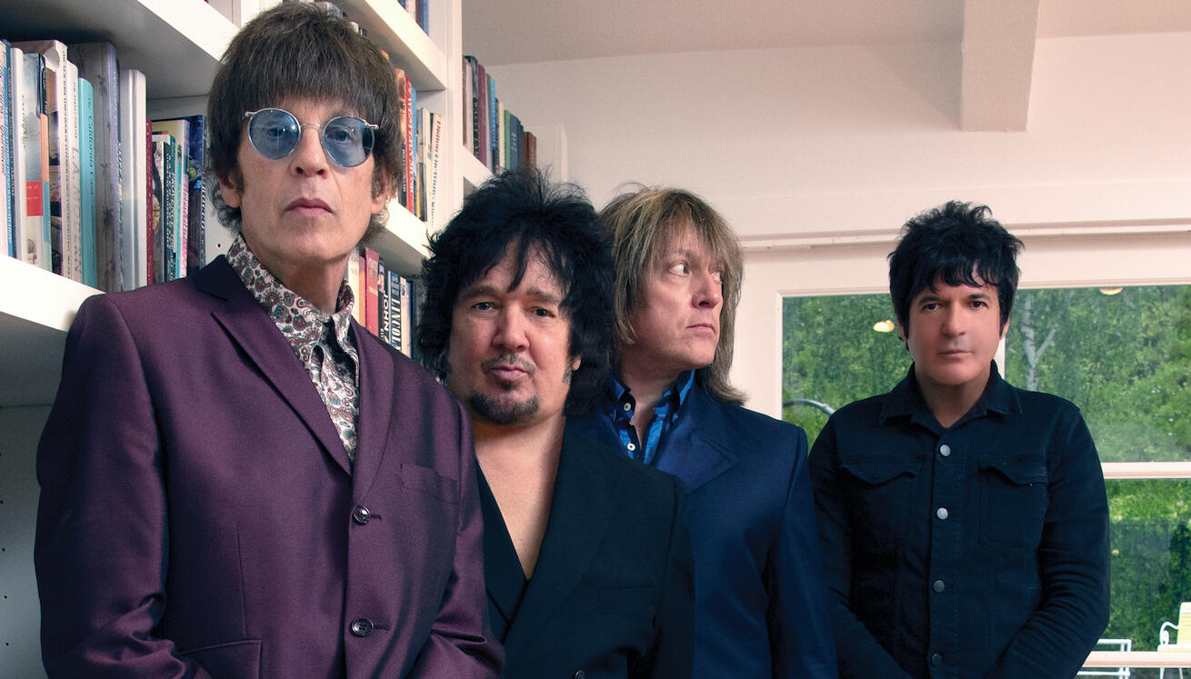 The Cars' Elliot Easton On COVID Pandemic: 'I'm Not Going To Die Of Stupid'