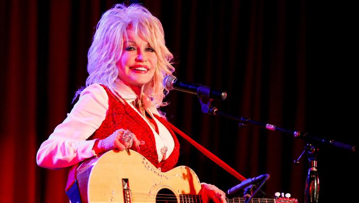 Dolly Parton Drops Christmas Album Feat. Miley Cyrus, Jimmy Fallon & More