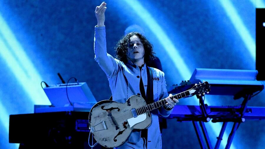 Jack White Surprises Street Performer With New Guitar After His Was Smashed