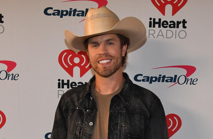 Dustin Lynch Teases New Music For Early 2021