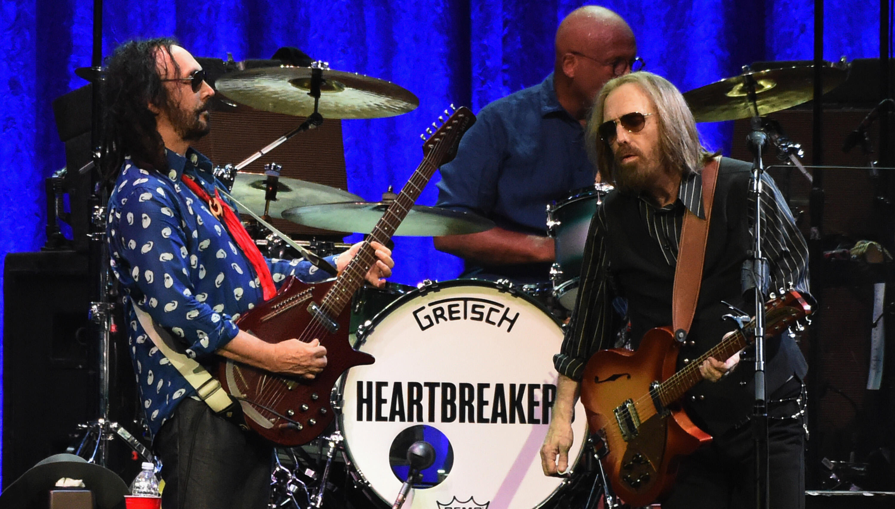 Tom Petty Was In Such Pain On Final Tour He Was Often Carried To The Stage