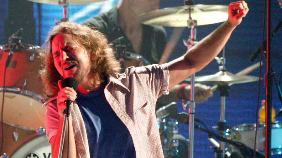 Pearl Jam Tribute Band Changes Name To Legal Jam After Cease And Desist