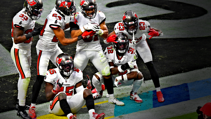 Clay Travis Ranks His Top 5 and Bottom 5 NFL Teams After Week 7
