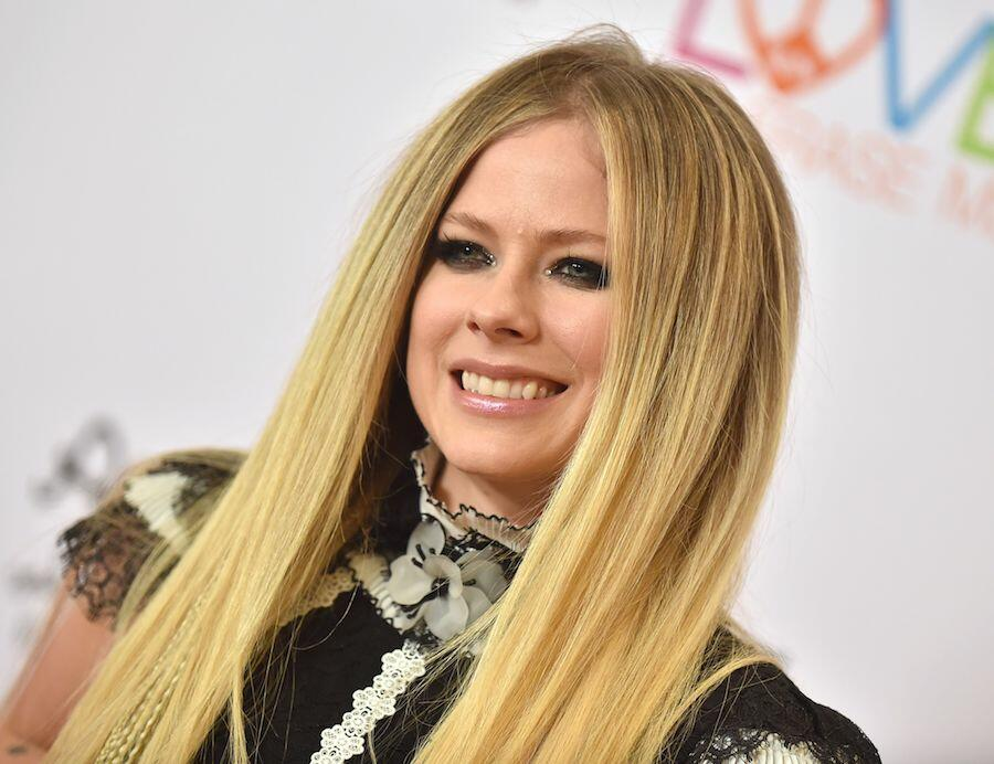 Avril Lavigne Shares Heartfelt Thanks to Fans For Supporting Lyme Community