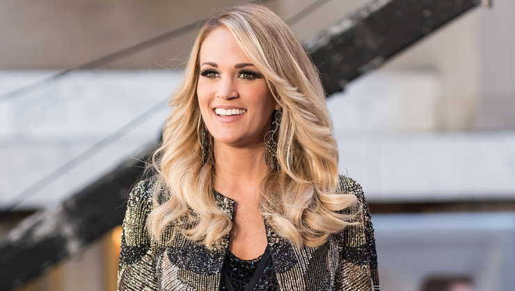 Carrie Underwood Shows Off Her Thanksgiving Spread: 'I Cooked For 2 Days'