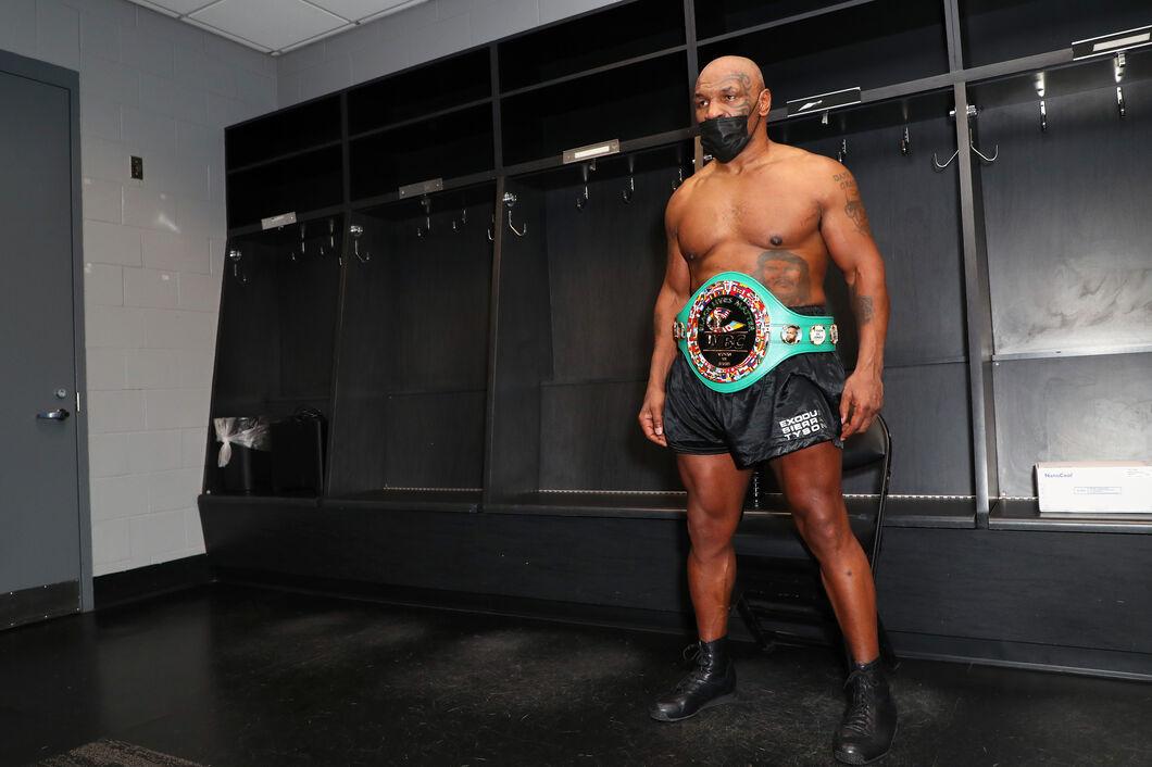 Triller Presents Mike Tyson vs Roy Jones Jr.