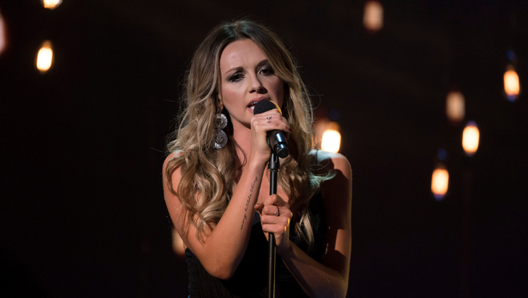 Carly Pearce's 'Show Me Around' Is A Tribute To Late Producer, Busbee