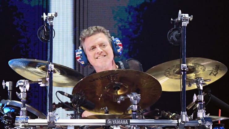 Def Leppard Drummer Rick Allen Working On Eddie Van Halen Painting