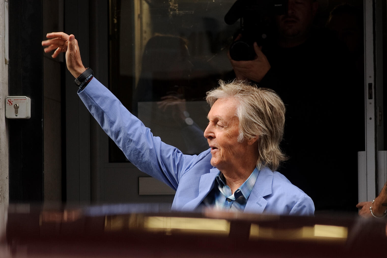 Paul McCartney Unveils New Album, Says He's Plans To Live To 100