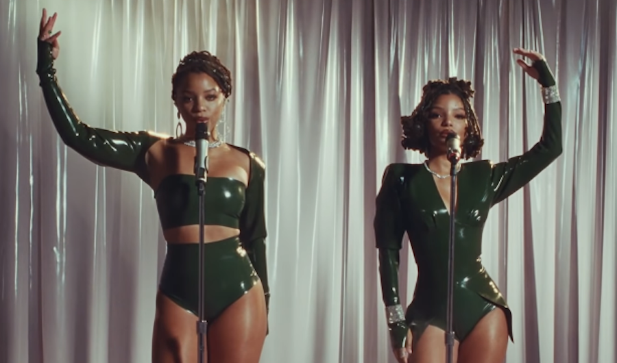 Watch Chloe x Halle's Dazzling Performance Of 'Don't Make It Harder On Me'