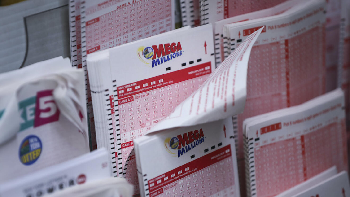 Mega Millions Numbers Live Results For 1 22 21 1 Billion Jackpot Tonight Iheartradio