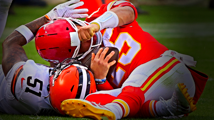 Jay Glazer: Patrick Mahomes Was 'Choked Out', Not Concussed in Browns Game