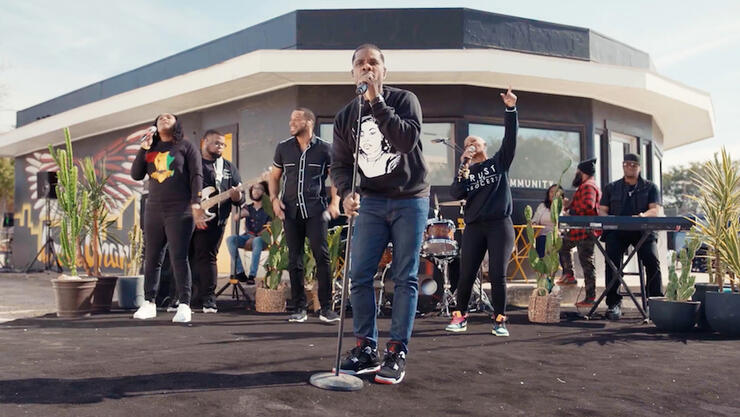 Kirk Franklin Performs Outside Black-Owned Coffee Shop in Fort Worth, Texas, for Black History Month Celebration