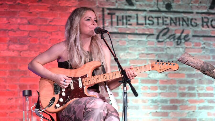 Lindsay Ell Helps Fourth-Grade Students Pen A Song In Music Class Over Zoom