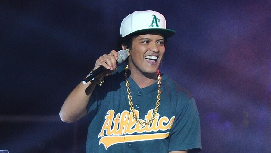 Bruno Mars' 'Grenade' Music Video Joins The Billion Views Club