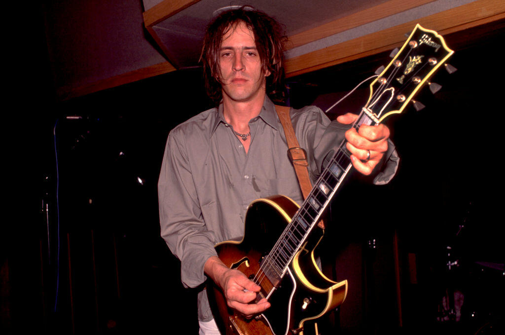 Guitar Used By Izzy Stradlin On Guns N' Roses' Debut Headed To Auction