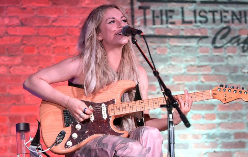 Lindsay Ell Pens Open Letter In Honor Of Sexual Assault Awareness Month