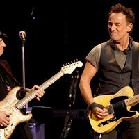 Nils Lofgren Suspects Bruce Springsteen's DWI Arrest Was 'A Vendetta'