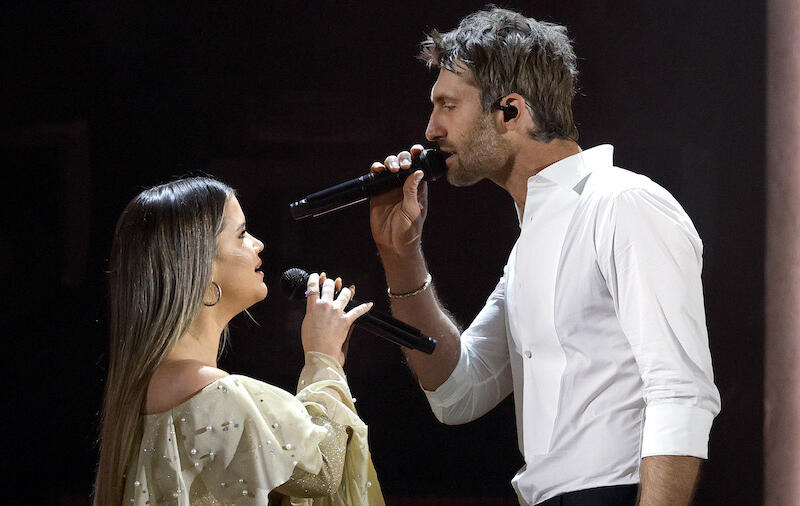 Maren Morris & Ryan Hurd Made Sparks Fly With Romantic Duet At ACM Awards