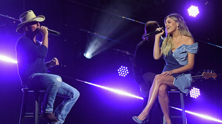 Kelsea Ballerini & Kenny Chesney Debut 'Half Of My Hometown' At ACM Awards