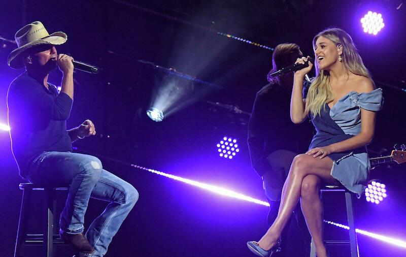 Kelsea Ballerini & Kenny Chesney Debut 'Half Of My Hometown' At ACM Awards