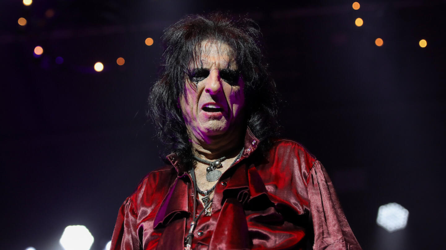 Alice Cooper Details Drastic Weight Loss Due To COVID-19