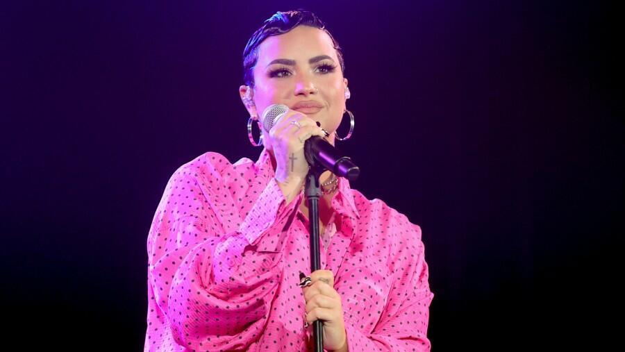 LA Yogurt Shop Owner Feels Demi Lovato 'Wanted To Fight' Over Menu Options